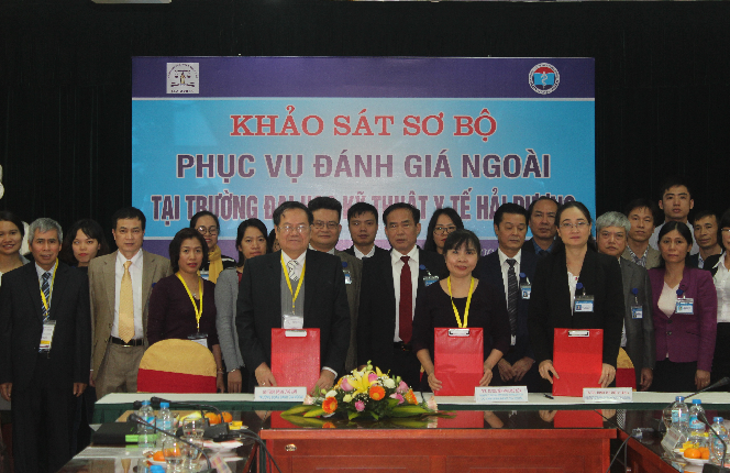 Signing of the Preliminary Report at Hai Duong Medical Technical University